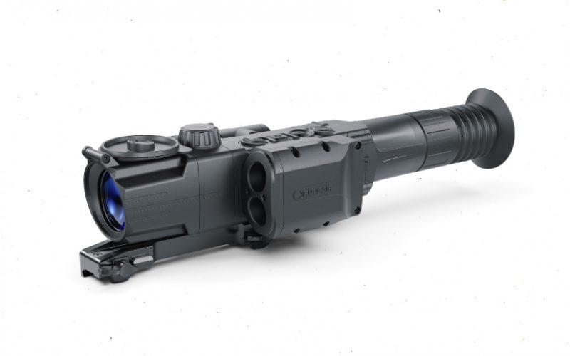 Izskata ziņā Digisight Ultra N455 LRF no sava radinieka N455 atšķiras vienīgi ar lāzera tālmēra bloku sānos.