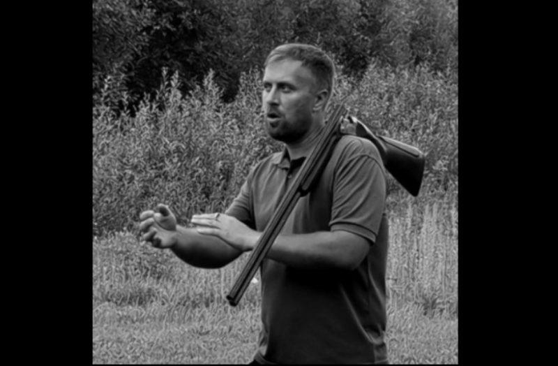 Semināru vada pieredzējušais sporta šāvējs un sekmīgas lidojošo māla šķīvīšu šaušanas padomdevējs Namejs Vinovskis.